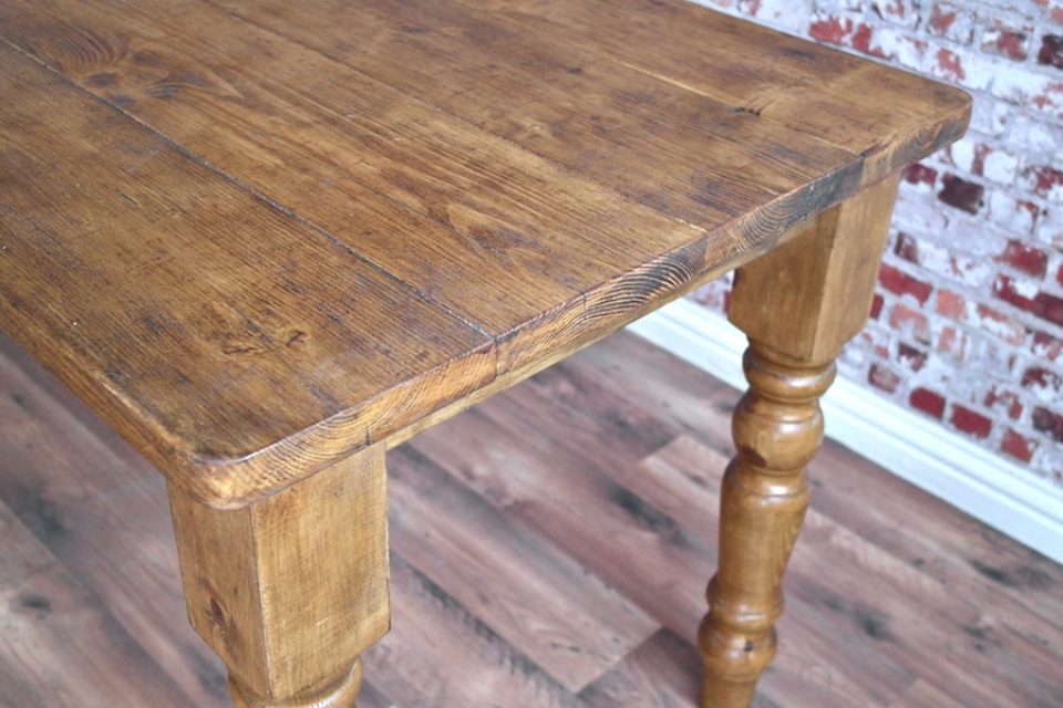 Farmhouse Reclaimed Wood Dining Table With Rustic Finish